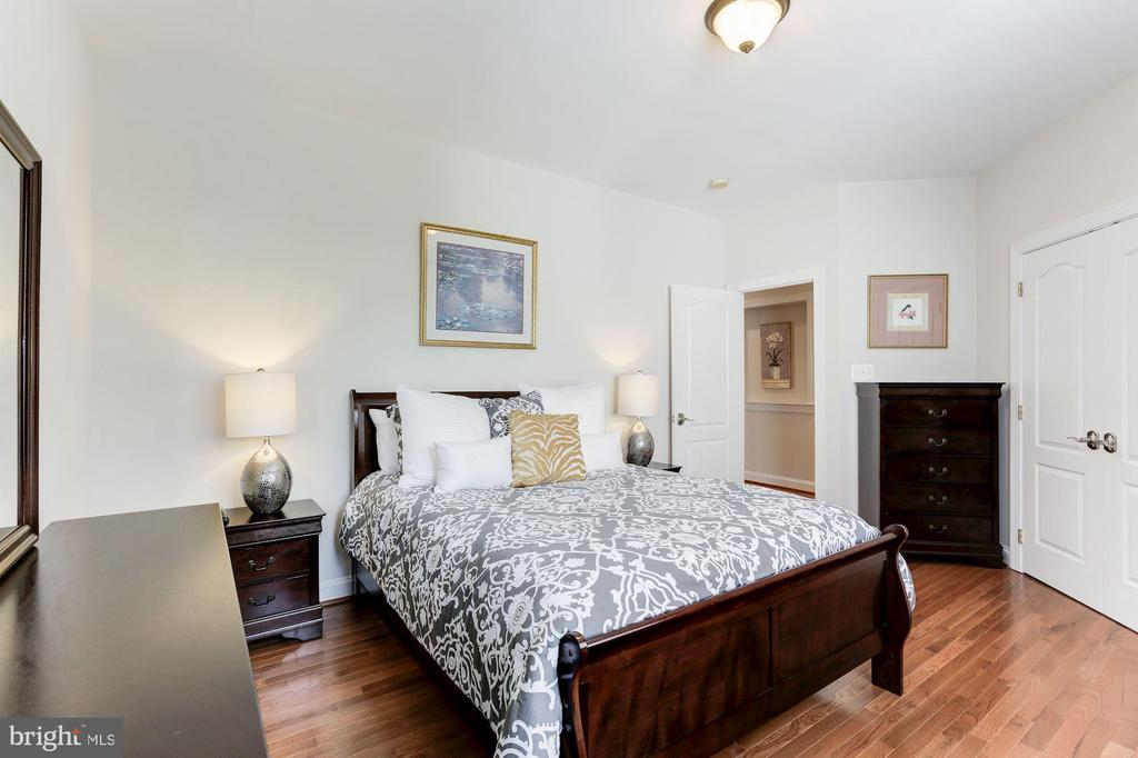 Large Bedroom - 18837 ACCOKEEK TER, LEESBURG