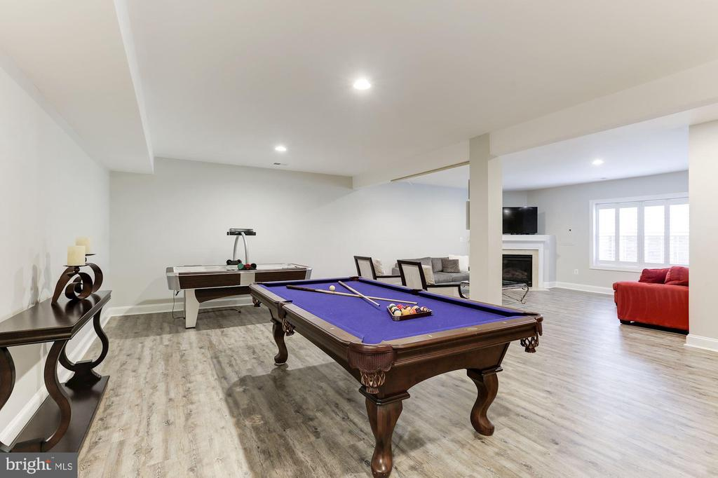 LL Game Room - 18837 ACCOKEEK TER, LEESBURG