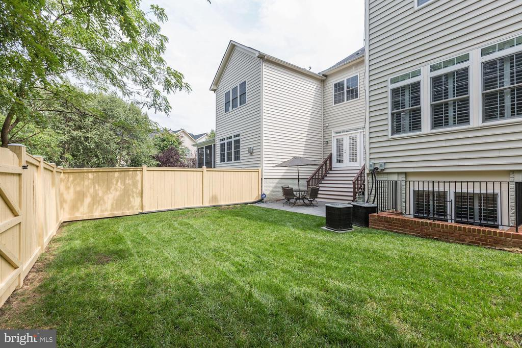 Huge, Flat Yard - 18837 ACCOKEEK TER, LEESBURG