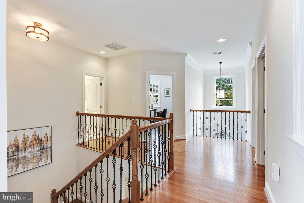 Hardwood Throughout Upper Level & Iron Balusters - 18837 ACCOKEEK TER, LEESBURG