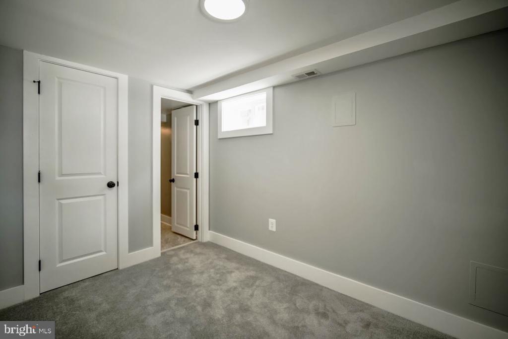 Renovated Basement - 5106 JAY ST NE, WASHINGTON