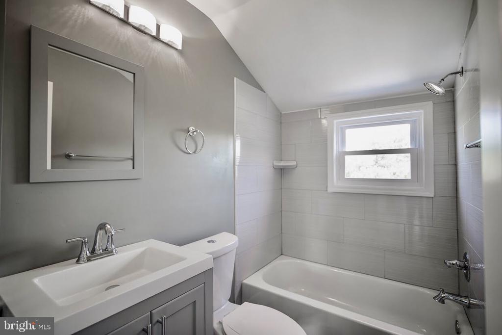 Renovated Bathroom - 5106 JAY ST NE, WASHINGTON
