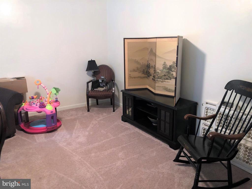 Living Room - 8012 PEMBROKE CIR, SPOTSYLVANIA