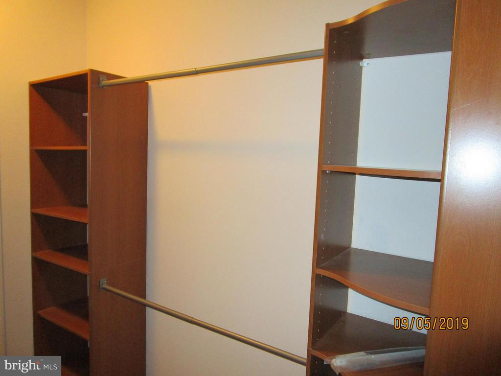 Master closet - 6205 HAWSER DR, KING GEORGE