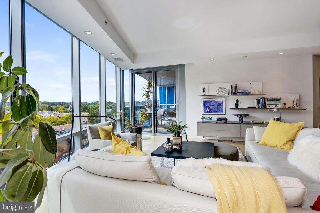 Generous Living Room - 1881 N NASH ST #1202, ARLINGTON