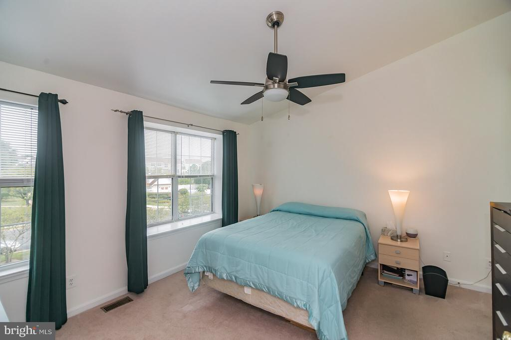 Master Bedroom with ample light & high ceilings - 46891 EATON TER #300, STERLING