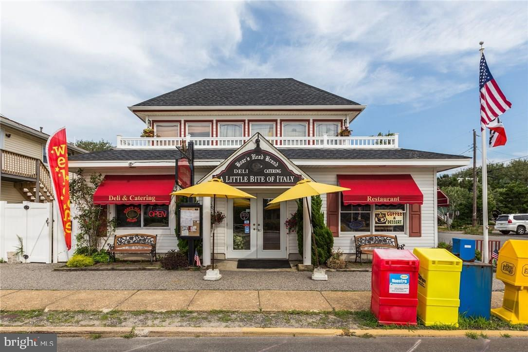 Retail for Sale at Surf City, New Jersey 08008 United States