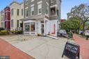 H St Fast Casual Restaurant and Market - 1718 M ST NE, WASHINGTON