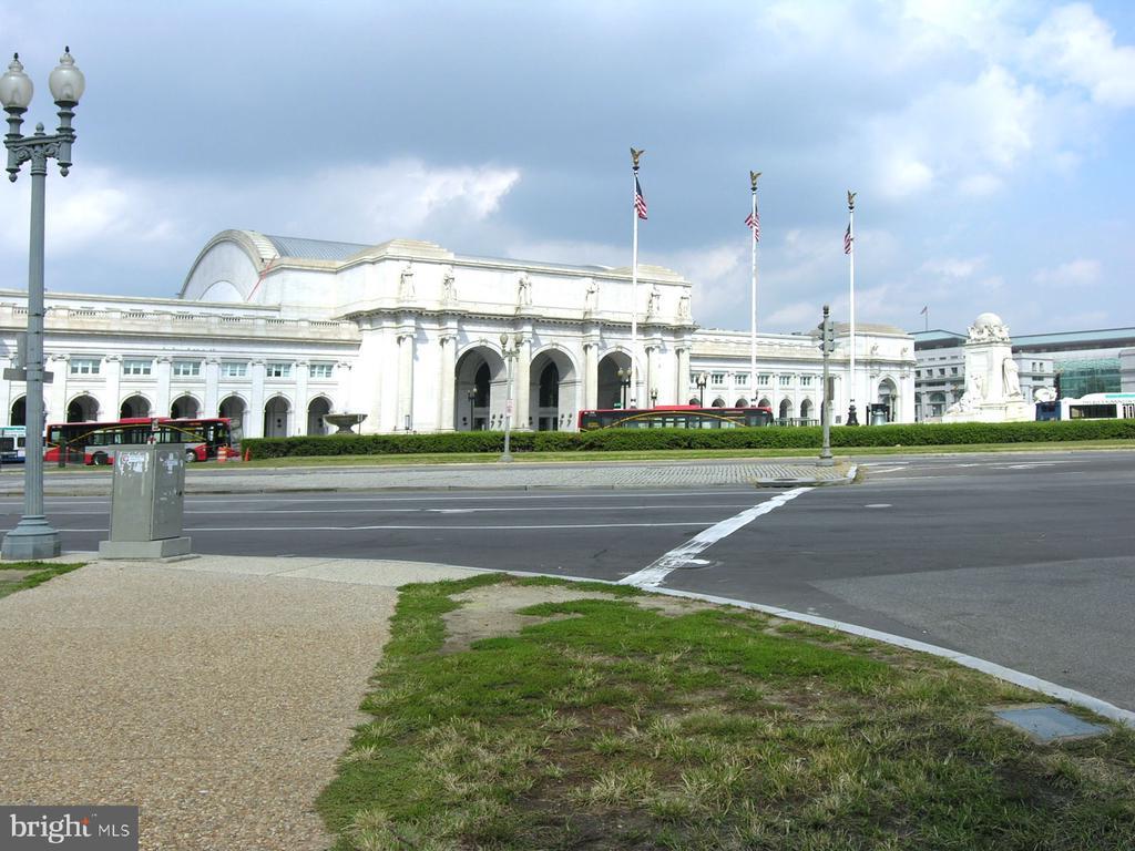 Take the Street Car right to Union Station - 1718 M ST NE, WASHINGTON
