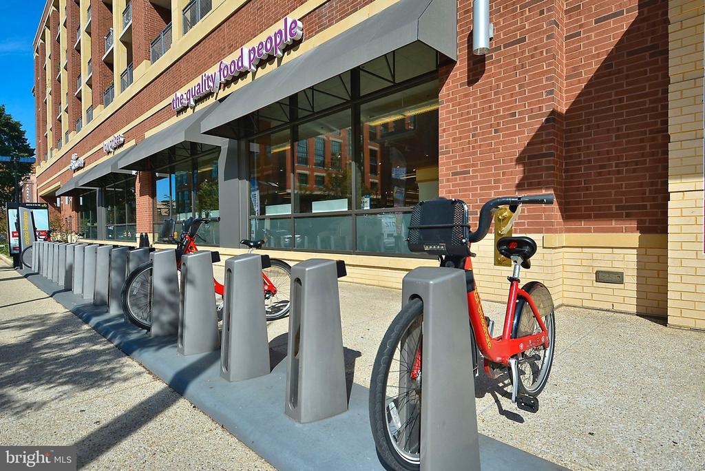 H St NE Amenities - Capital Bike Share Around Town - 1718 M ST NE, WASHINGTON