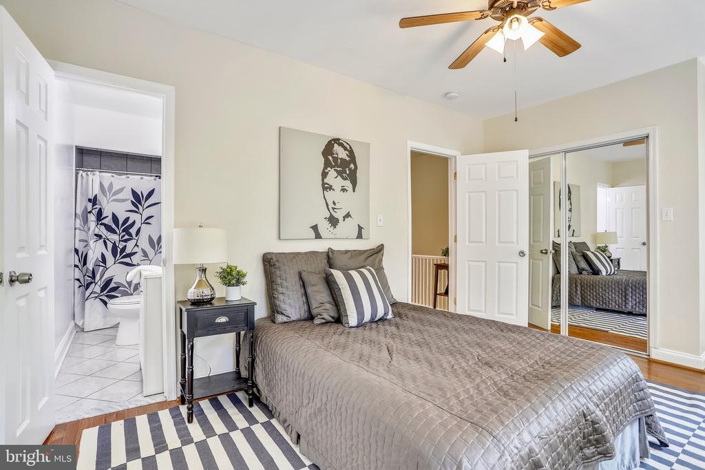 Master Bedroom with En Suite Full Bath - 1718 M ST NE, WASHINGTON
