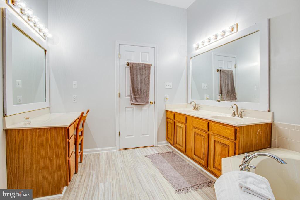 Dual Sinks & Separate Vanity in Master Bath - 9806 RAMSAY DR, FREDERICKSBURG