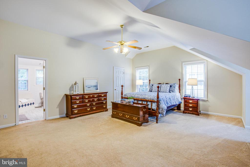 Master Bedroom w/ Bathroom view - 9806 RAMSAY DR, FREDERICKSBURG