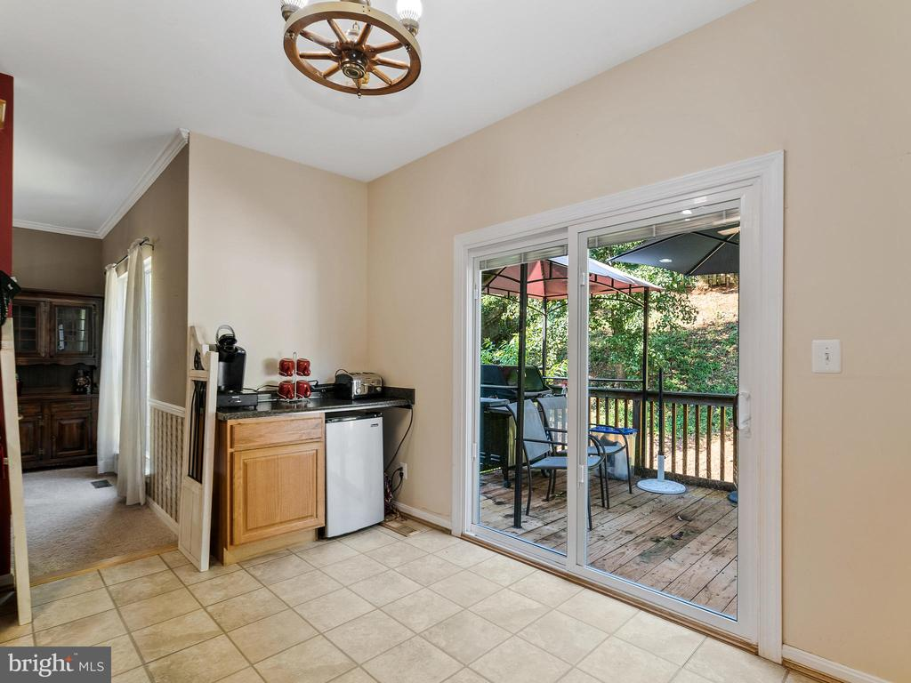 Kitchen - Sliding Doors to Deck - 94 CHADWICK DR, STAFFORD