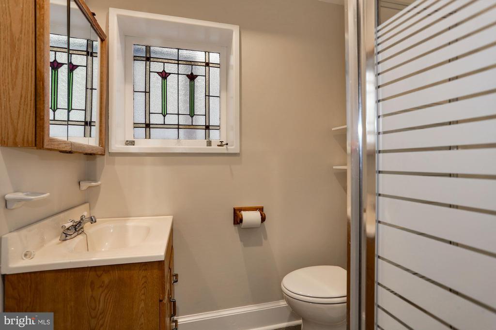 Bathroom Unit 2 - 1011 I ST SE, WASHINGTON