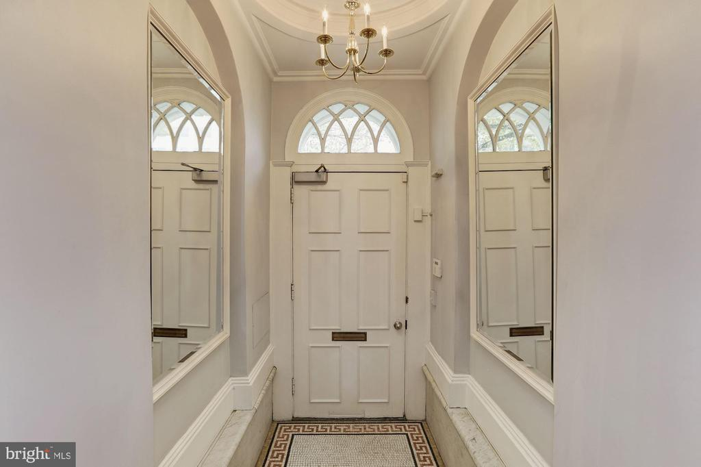 Vestibule - 1834 CONNECTICUT AVE NW, WASHINGTON