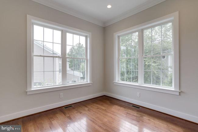Library/office full of natural light. - 2054 ARCH DR, FALLS CHURCH