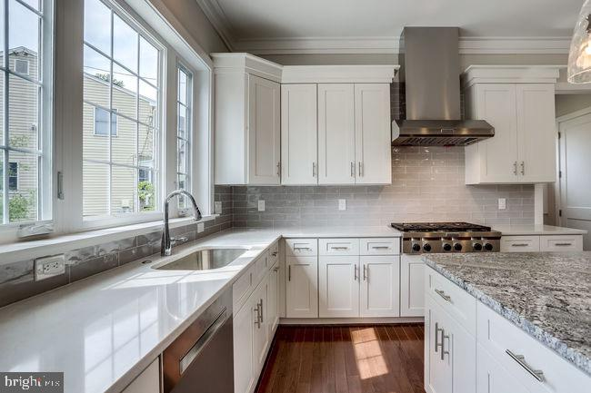 Gourmet kitchen with windows and lots of storage. - 2054 ARCH DR, FALLS CHURCH