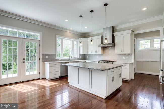 Gourmet kitchen with all stainless steel appliance - 2054 ARCH DR, FALLS CHURCH
