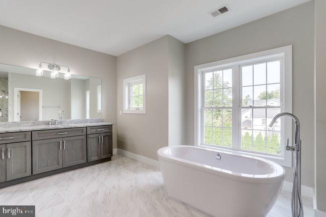 View of luxurious soaking tub. - 2054 ARCH DR, FALLS CHURCH