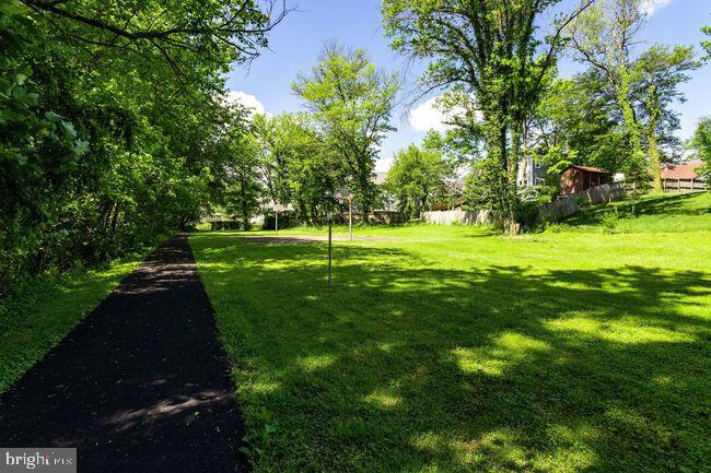 Walking trail. - 2054 ARCH DR, FALLS CHURCH