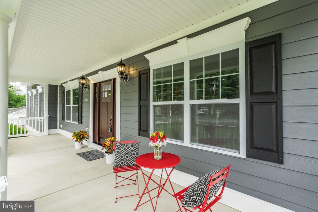 Front porch  from left side inwards - 7101 VELLEX LN, ANNANDALE