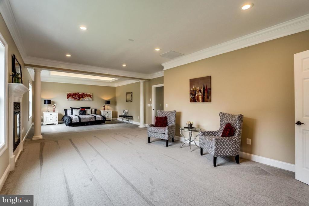 Master sitting room - 7101 VELLEX LN, ANNANDALE