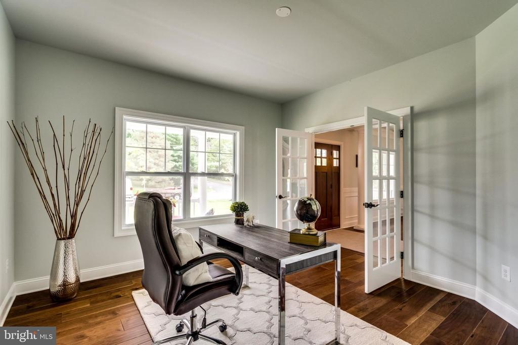 Home office - 7101 VELLEX LN, ANNANDALE