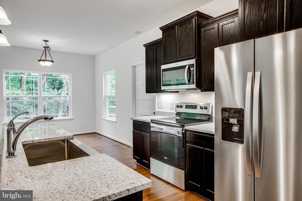 Stainless steel kitchen! - 170 LITTLE WHIM, FREDERICKSBURG