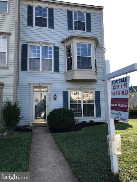 Beautiful End Unit Town home, a must see! - 20685 SOUTHWIND TER, ASHBURN