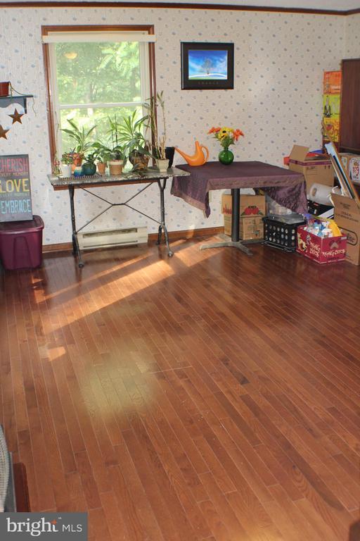 Dinning Room with Hardwood floors - 7738 TALBOT RUN RD, MOUNT AIRY