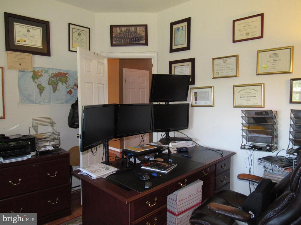 Office - 2763 MYRTLEWOOD DR, DUMFRIES
