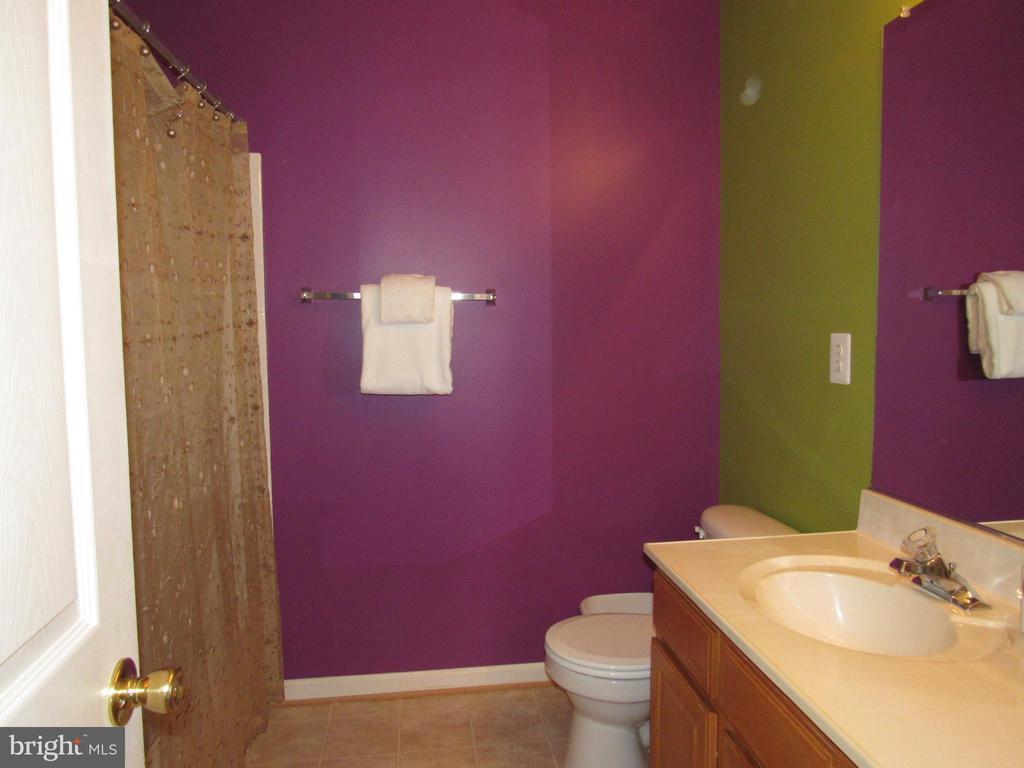 Bathroom 2 - 2763 MYRTLEWOOD DR, DUMFRIES
