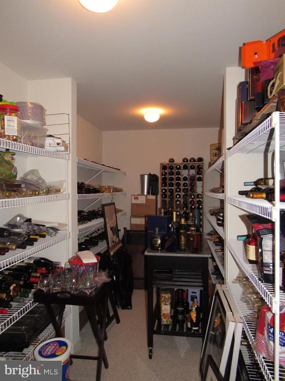 Wine Room - 2763 MYRTLEWOOD DR, DUMFRIES