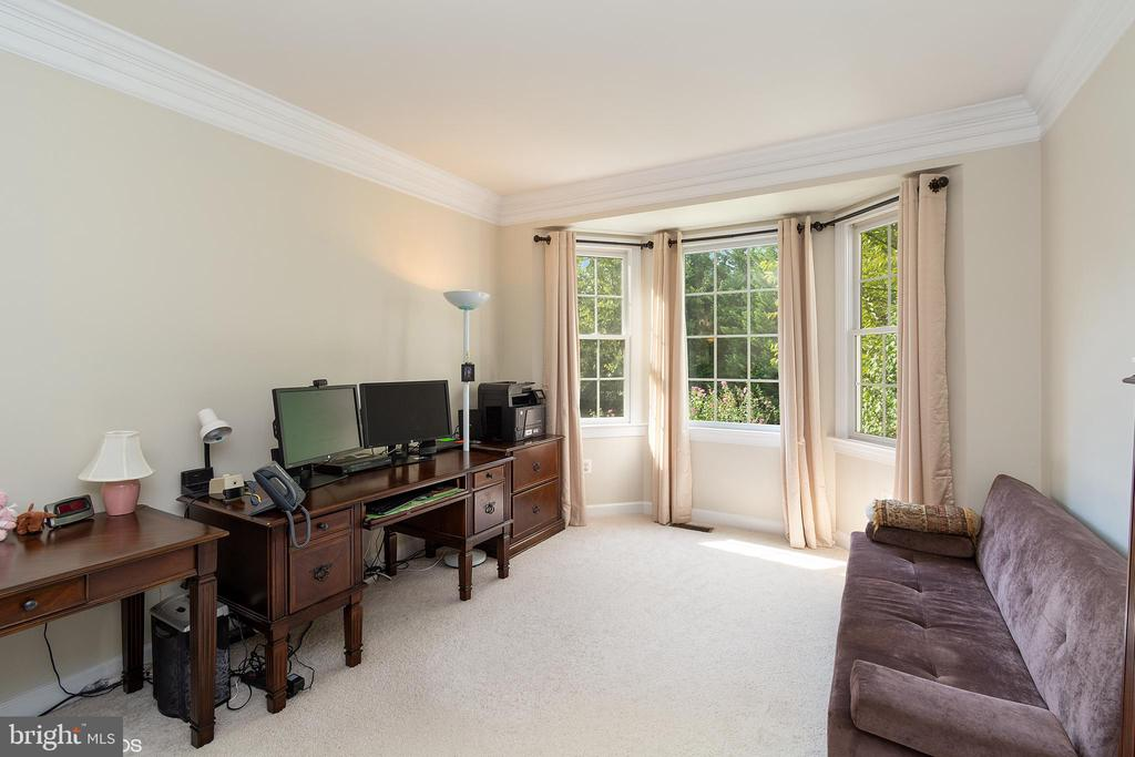 MAIN LEVEL OFFICE WITH WALK IN BAY WINDOW - 8900 GRIST MILL WOODS CT, ALEXANDRIA