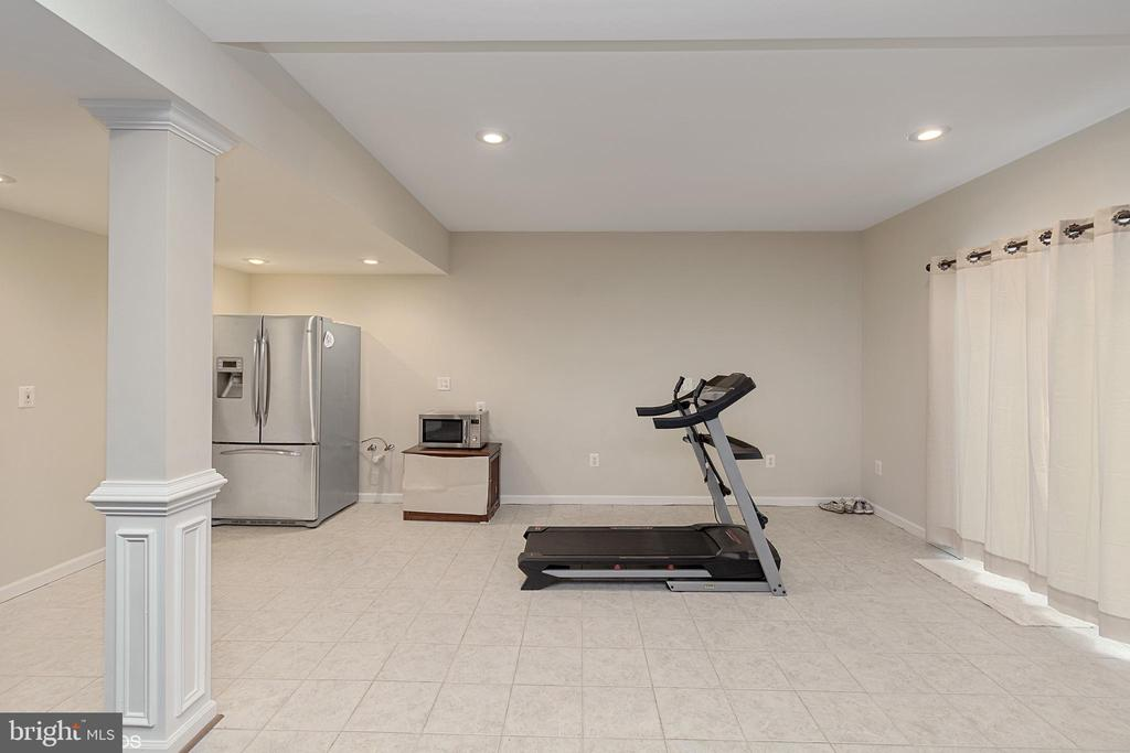 GYM AREA OFF REC ROOM - 8900 GRIST MILL WOODS CT, ALEXANDRIA