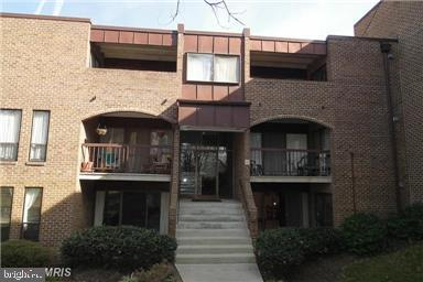 Front entrance - 11220 CHESTNUT GROVE SQ #124, RESTON