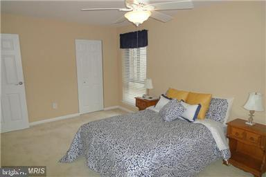 Original color furnished - 11220 CHESTNUT GROVE SQ #124, RESTON