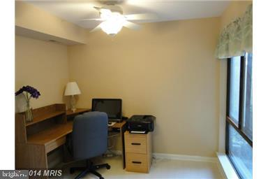Den, original color - 11220 CHESTNUT GROVE SQ #124, RESTON