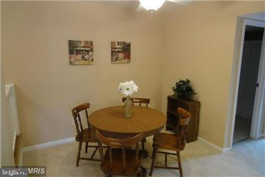 Dining room, original color - 11220 CHESTNUT GROVE SQ #124, RESTON