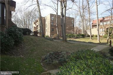 View - 11220 CHESTNUT GROVE SQ #124, RESTON