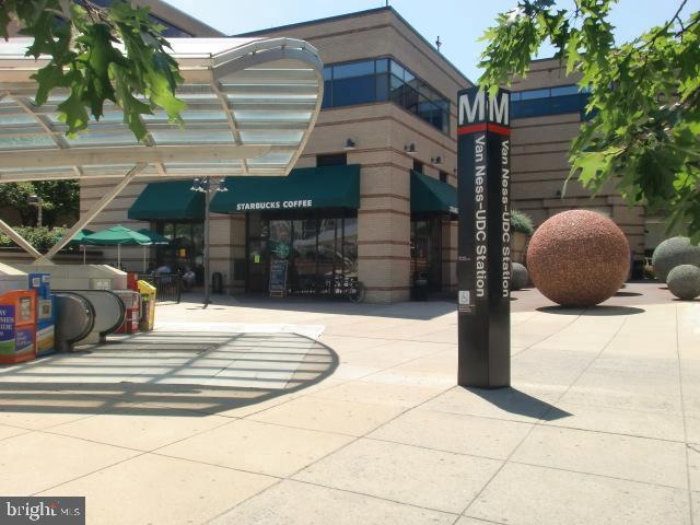 Starbucks Cafe at Van Ness Metro - 2939 VAN NESS ST NW #726, WASHINGTON