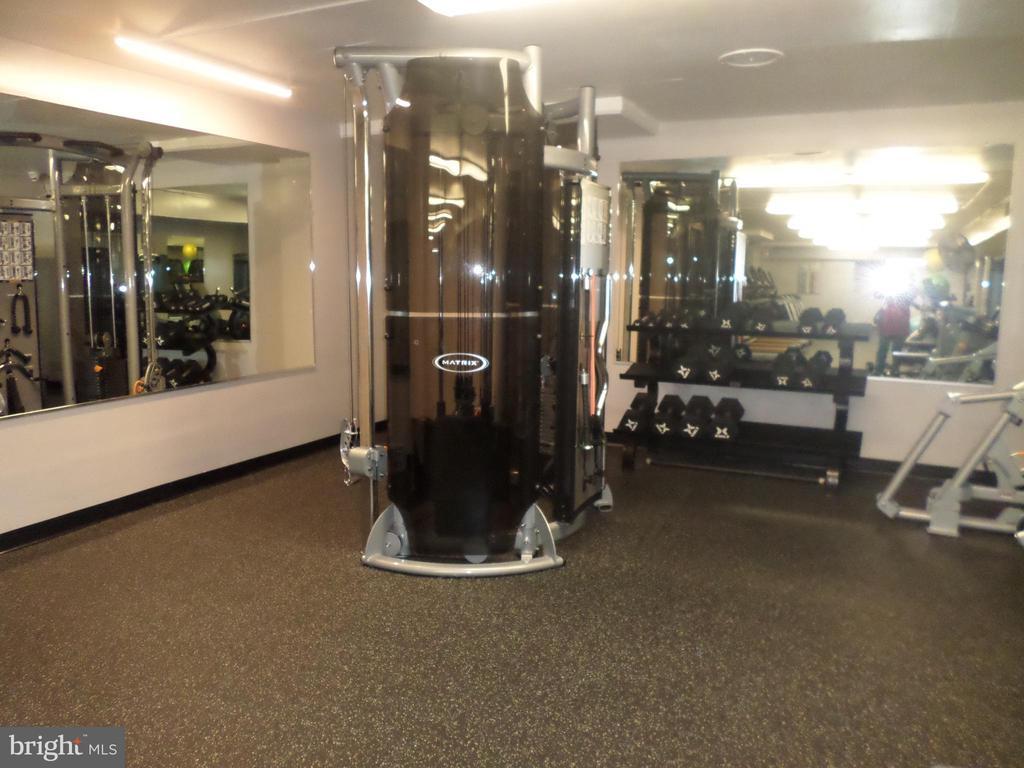 On-site gym - 2939 VAN NESS ST NW #726, WASHINGTON