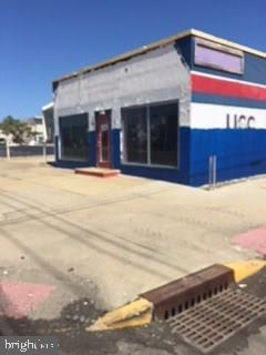 2304 LONG BEACH BLVD - Picture 1