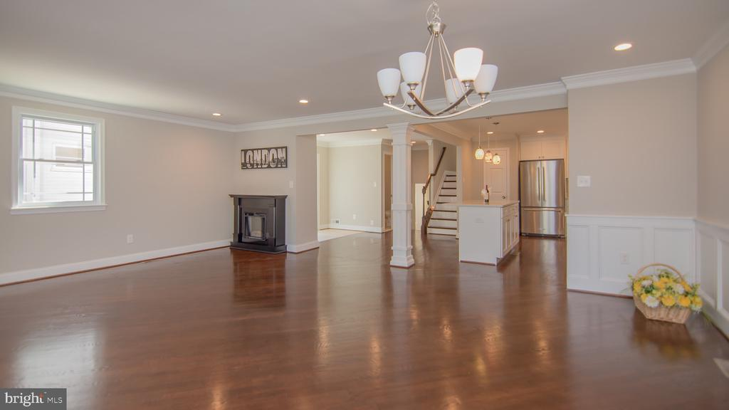 open floor plan with private dining room - 5636 6TH ST N, ARLINGTON