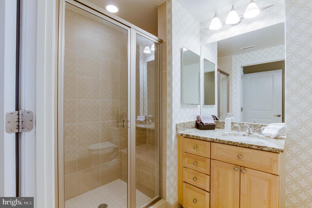 Bath Full #2 - 11990 MARKET ST #812, RESTON