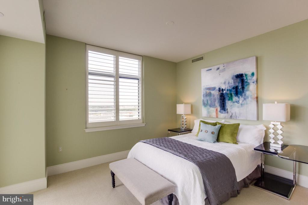 Bedroom Master - 11990 MARKET ST #812, RESTON