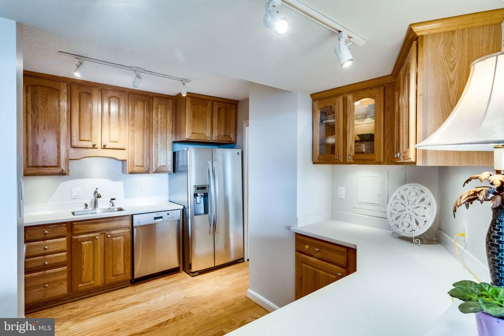 Kitchen - 3800 FAIRFAX DR #704, ARLINGTON