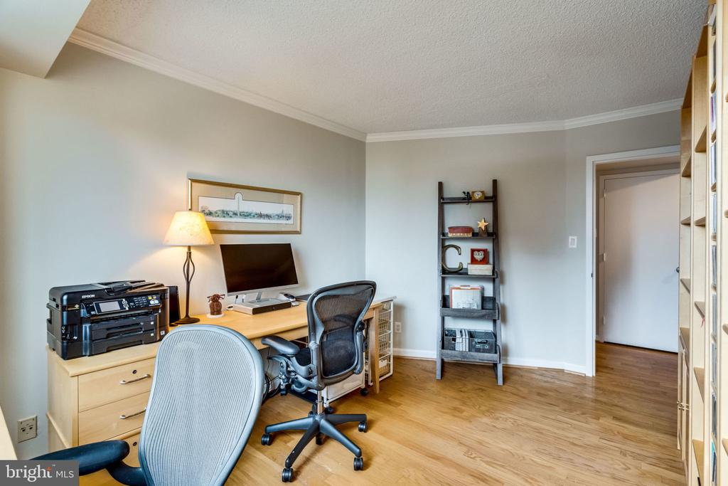 Bedroom 3/Den/Study/Office - 3800 FAIRFAX DR #704, ARLINGTON