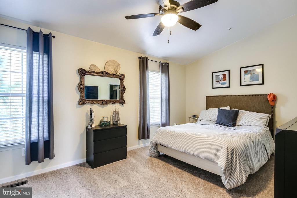 Owners bedroom - 3417 WOOD CREEK DR, SUITLAND